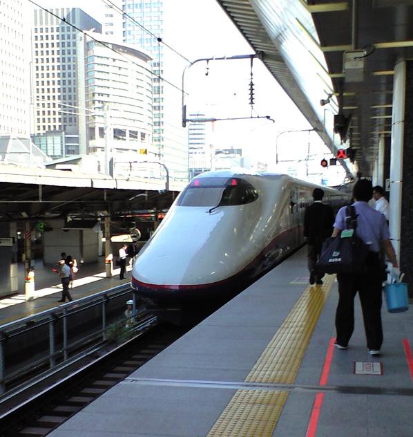 列車定刻発車